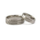 "<div class=""fancy-desc""><div class=""fancy-desc-left""><span class=""secondary label radius"">wedding rings</span> <span class=""secondary label radius"">natural white gold</span> <span class=""success label radius"">New</span></div><div class=""fancy-desc-right""><div class='fb-share-button' data-href='https://www.cf-creation.ch/en/2019_11_mg_017/' data-layout='button' data-size='small' data-mobile-iframe='true'></div></div></div>"
