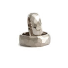 "<div class=""fancy-desc""><div class=""fancy-desc-left""><span class=""secondary label radius"">wedding rings</span> <span class=""secondary label radius"">natural white gold</span> <span class=""success label radius"">New</span></div><div class=""fancy-desc-right""><div class='fb-share-button' data-href='https://www.cf-creation.ch/en/2020_02_mg_057/' data-layout='button' data-size='small' data-mobile-iframe='true'></div></div></div>"